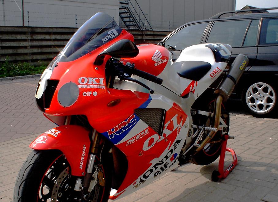 Honda 1000 VTR  SP1 / SP2 (RC51) - Page 5 Attos_Bike